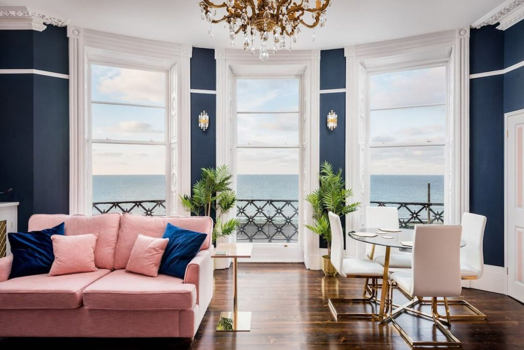 best airbnbs brighton hollywood apartment