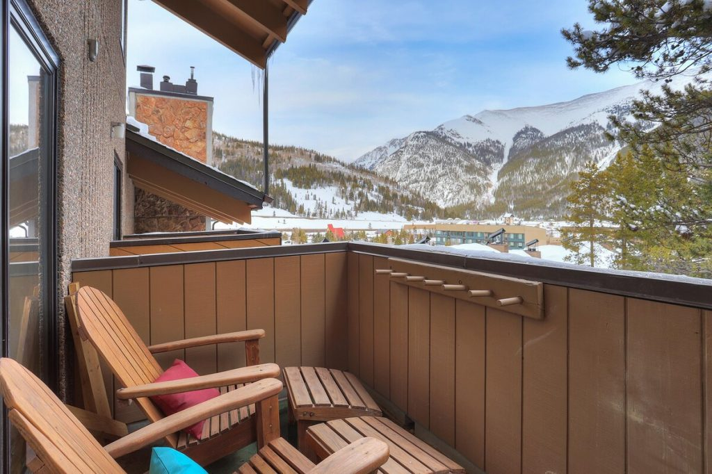best airbnbs copper mountain 8 Bedroom Pet Friendly Ski in Ski out Penthouse outside