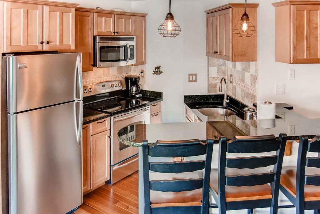 best airbnbs copper mountain Ski and Golf condo on the slopes kitchen