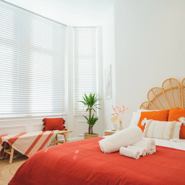 best airbnbs in Bournemouth 2 bed bedroom
