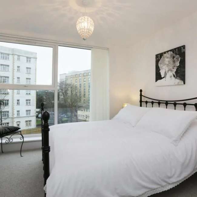 best airbnbs in Bournemouth modern flat bedroom
