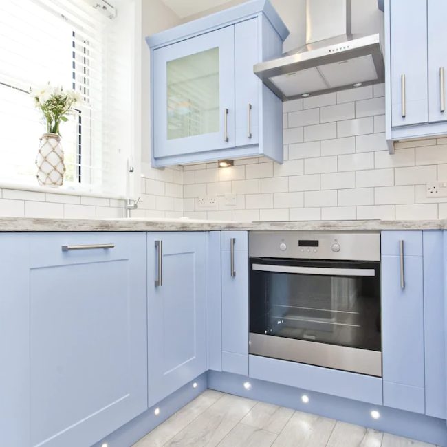 best airbnbs in Bournemouth sea view cottage kitchen