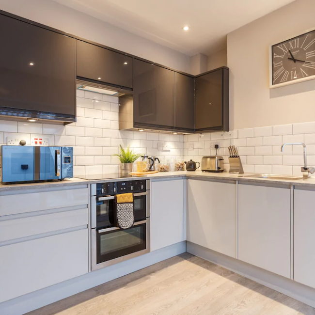 best airbnbs in Bournemouth stylish townhouse kitchen
