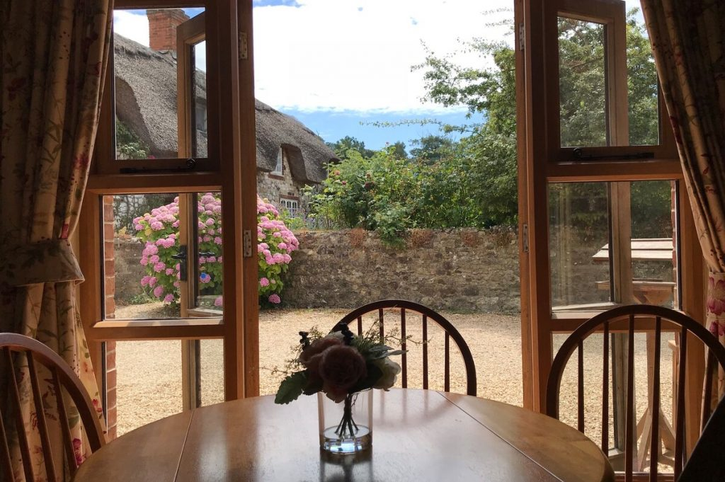 best airbnbs isle of wight gettaway romantic