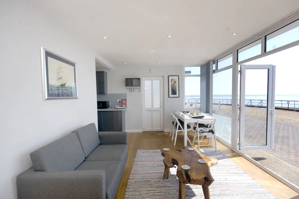 best airbnbs isle of wight lodge