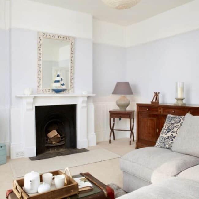 best airbnbs isle of wight luxury villa living room