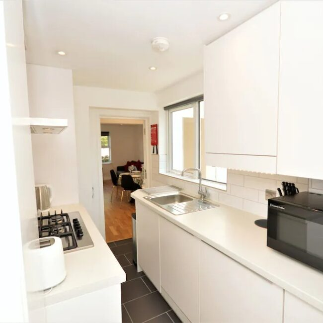 best airbnbs isle of wight pebble cottage kitchen