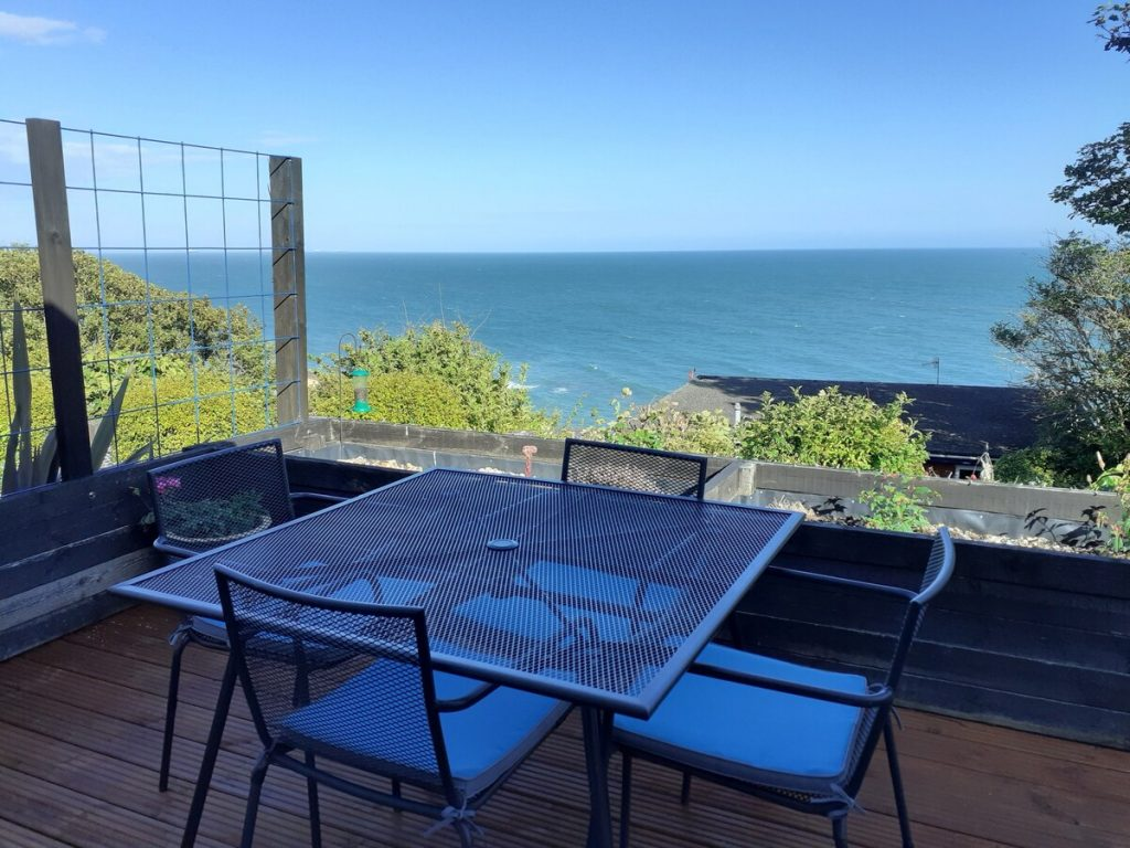best airbnbs isle of wight seaglass patio