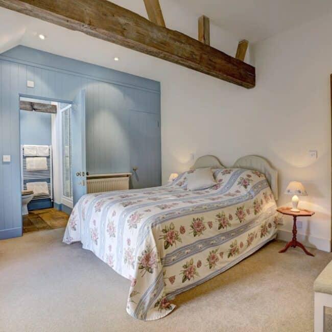 best airbnbs isle of wight self catering barn bedroom
