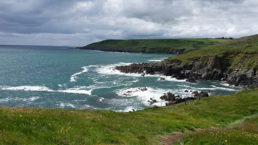 best things to do in cork Ballycotton Cliff Walk