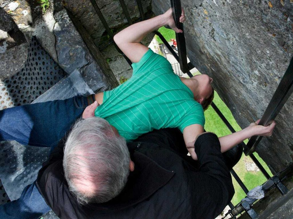best-things-to-do-in-cork-Blarney-Stone