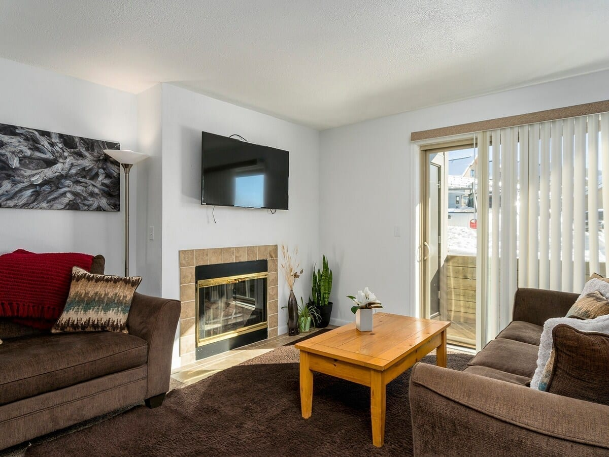 best airbnbs copper mountain condo with shared pool and hot tub living room