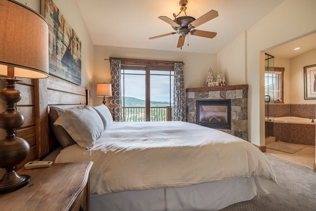 best airbnbs copper mountain luxury chalet bedroom
