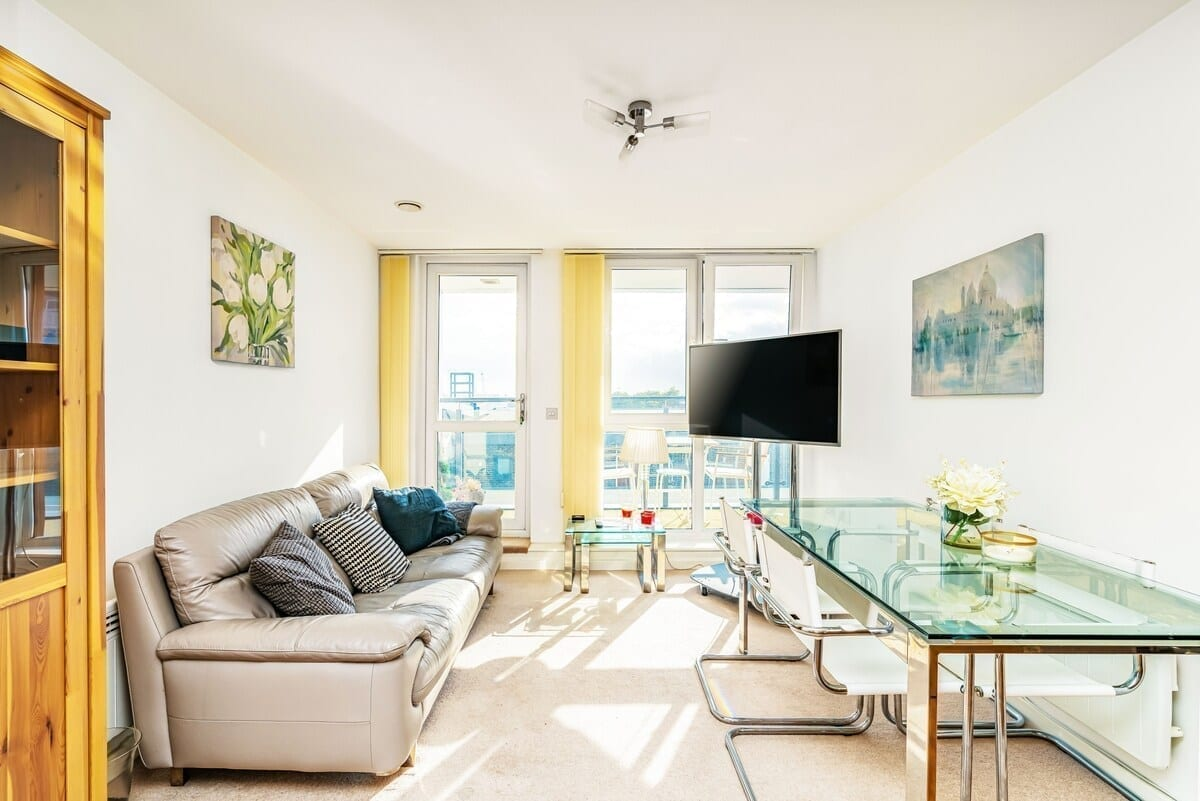 best airbnbs southampton lush apartment