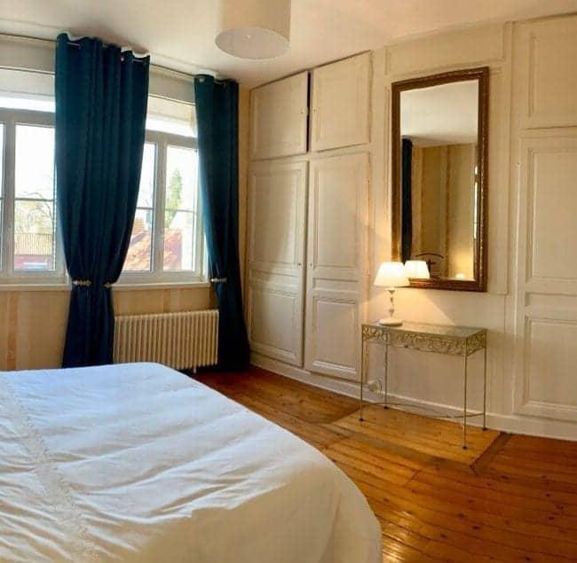 best airbnbs in amiens manor lafleur room