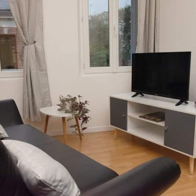 best airbnsb in amiens jules verne living room