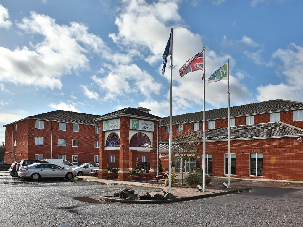 best hotels southamphon holiday inn outside