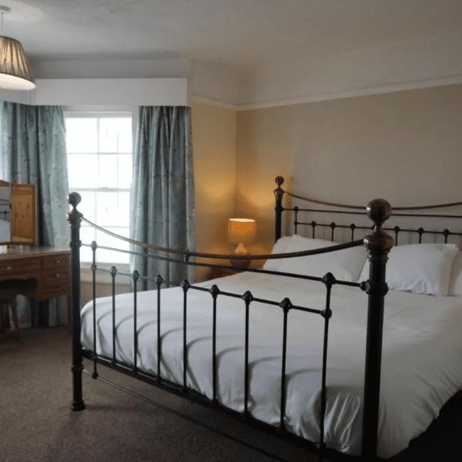 Best hotels bognor regis Navigator Accommodation room