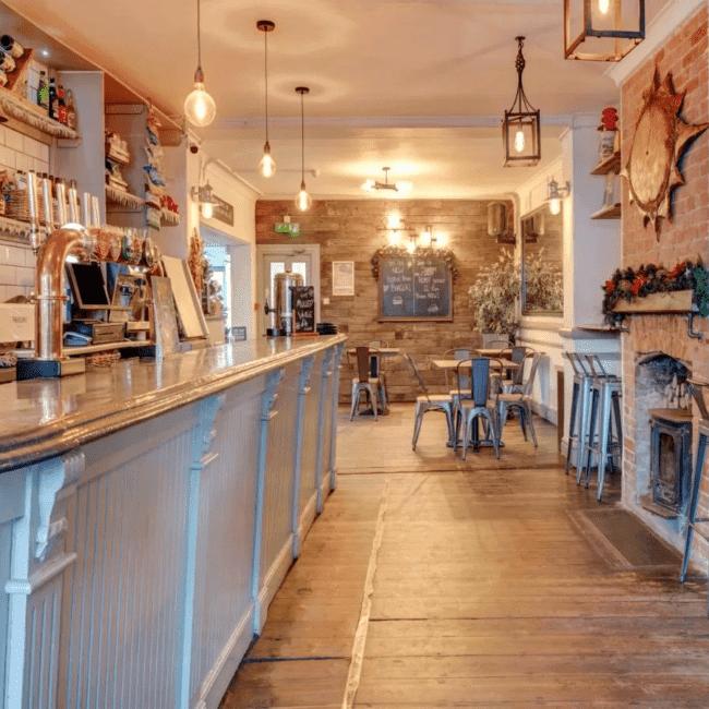 best hotels bognor regis OYO George & Dragon Inn bar