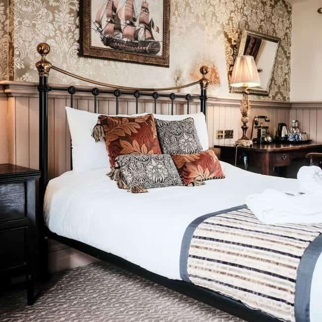 best hotels southampton the crown inn room