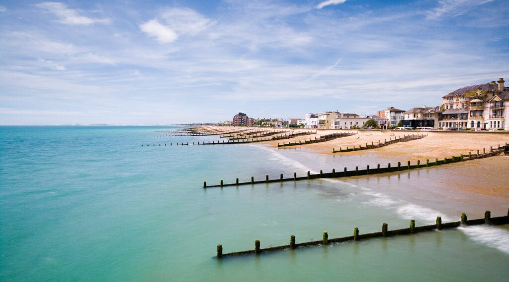 how to spend a day at bognor regis beach