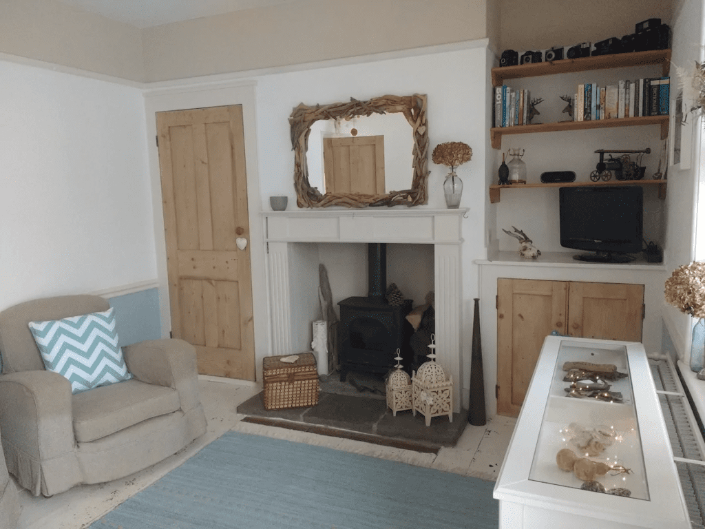 Best airbnbs bognor regis Secluded Coastguard Cottage by the sea
