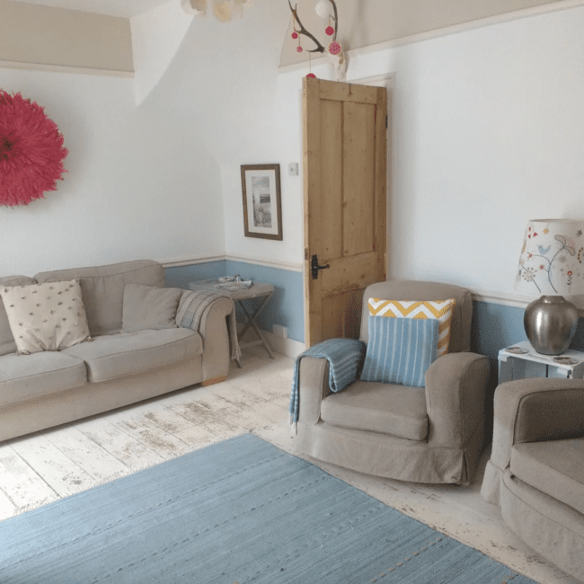Best airbnbs bognor regis Secluded Coastguard Cottage by the sea living room