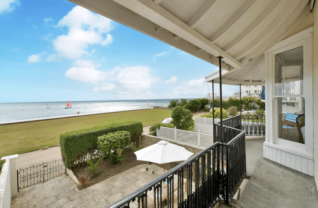 best airbnbs bognor regis Beach front family home that welcomes pets
