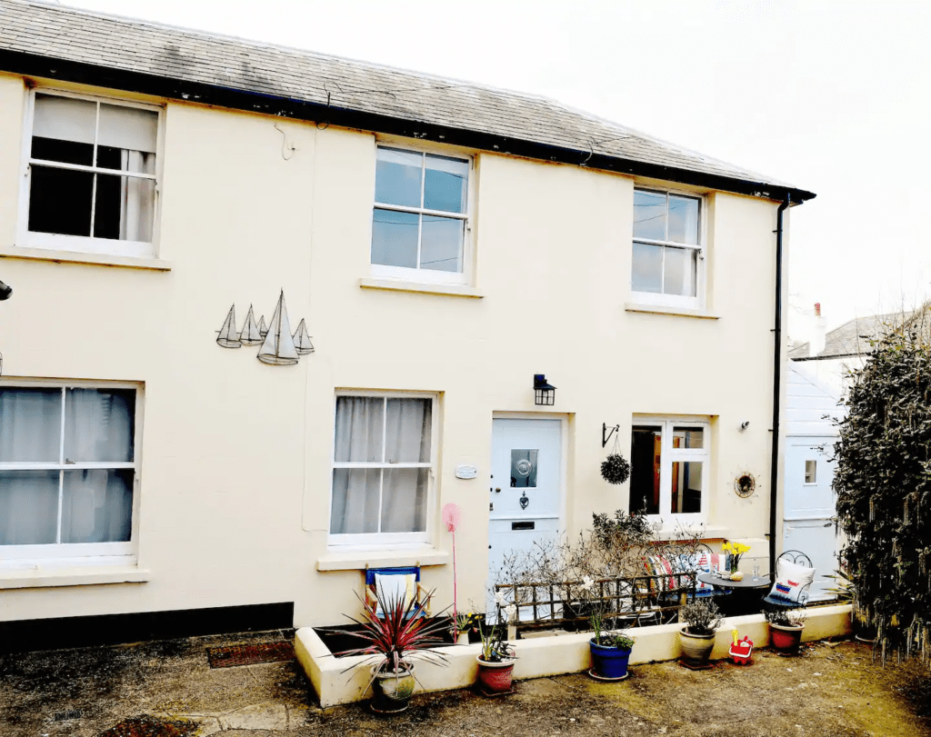 best airbnbs bognor regis Family beach cottage that welcomes pets