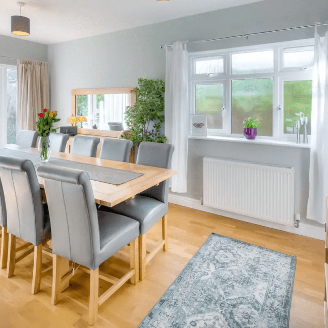 best airbnbs bognor regis Luxury beach house with private parking dining
