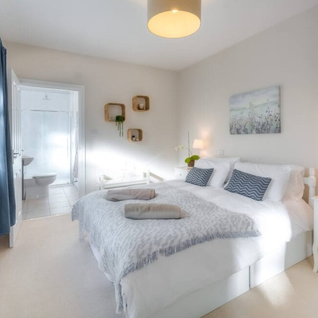 best airbnbs bognor regis Luxury beach house with private parking room