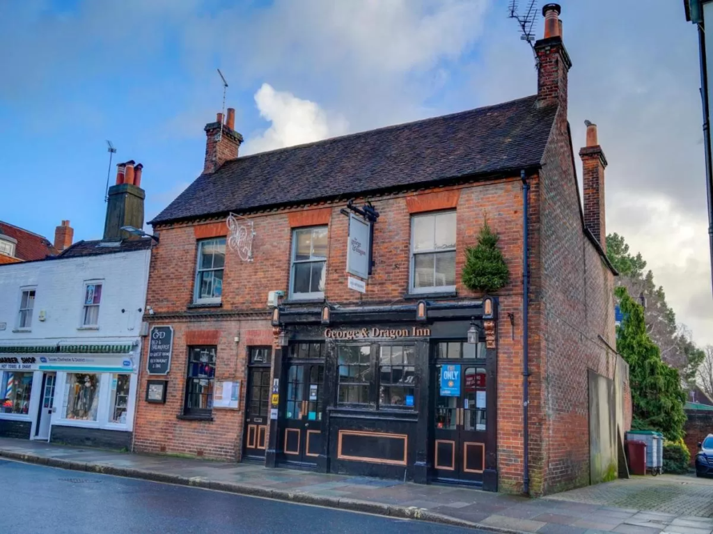 best hotels in chichester OYO George and Dragon Inn outside