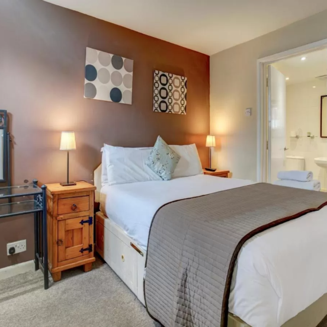best hotels in chichester OYO George and Dragon Inn room