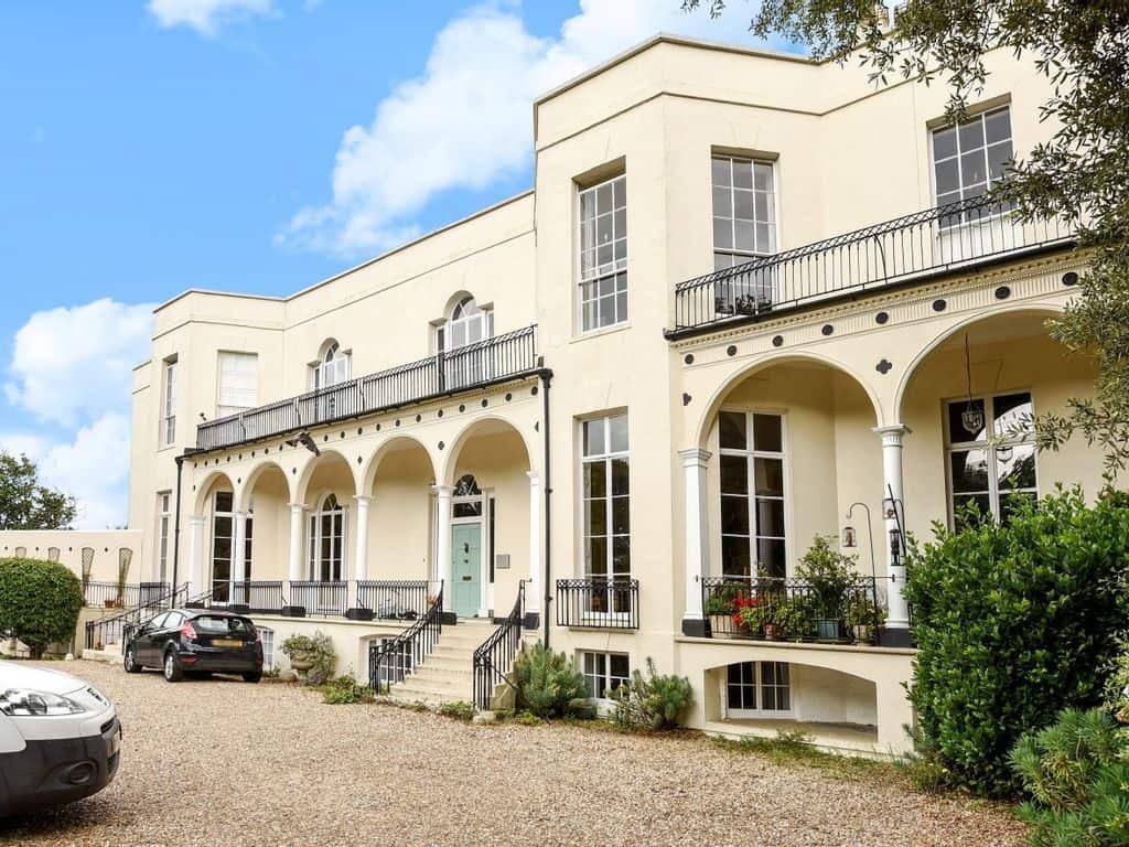 best things to do in bognor regis hotham park house