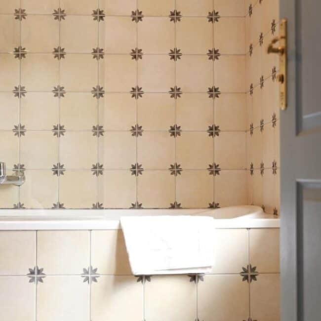 best hotels in Metz Hotel de la Cathedrale Metz bath
