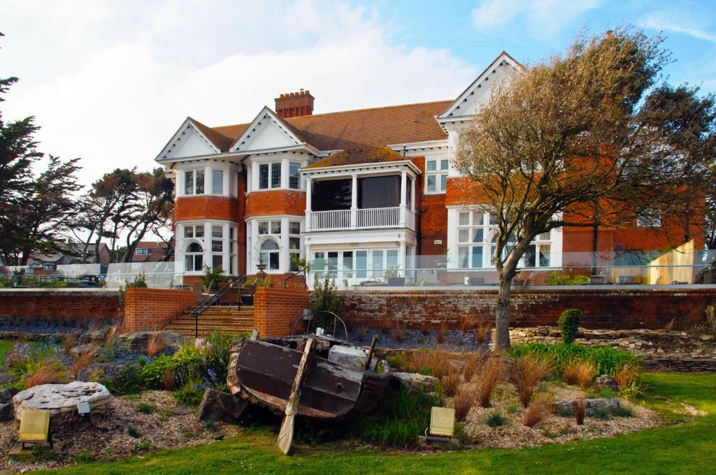 best hotels in Milford on Sea beach house