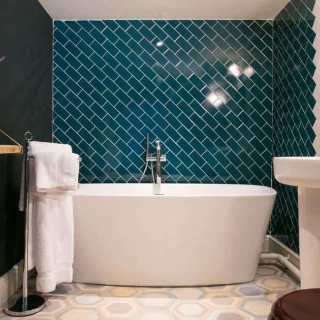 best hotels in Milford on Sea huntsman bathroom