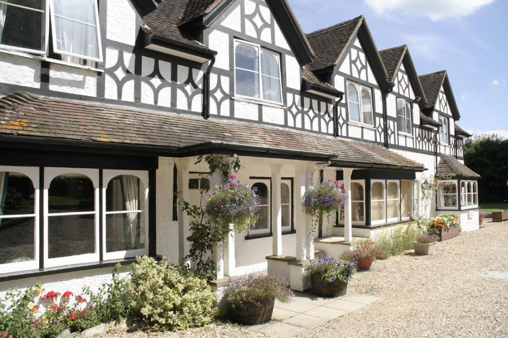 best hotels in Milford on Sea south lawn