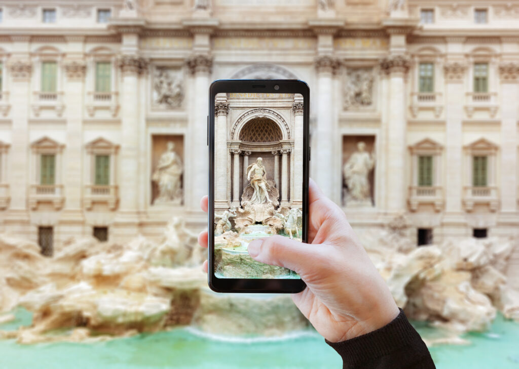 travel camera taking pictures with smartphone