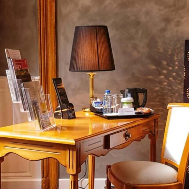 Best hotels in Nancy Hotel D'haussonville desk