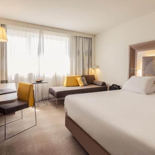 Best hotels in Nancy novotel bedroom