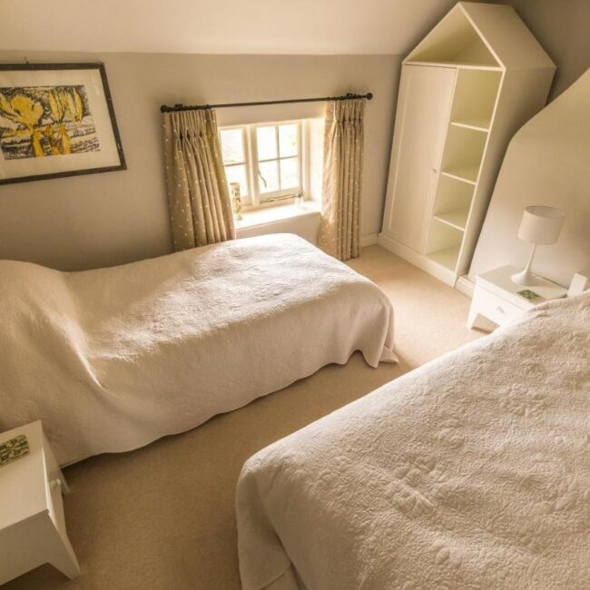 best bed and breakfast new forest thatched cottage bedroom
