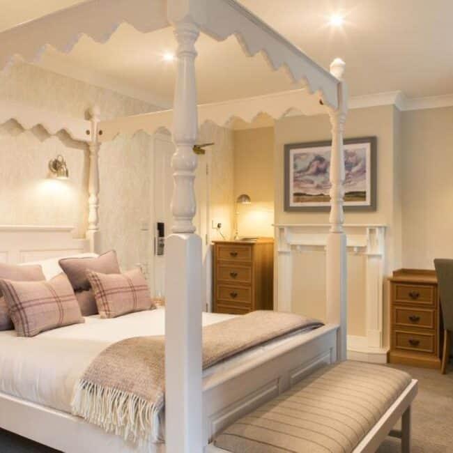 best hotel lyndhurst beaulieu bed