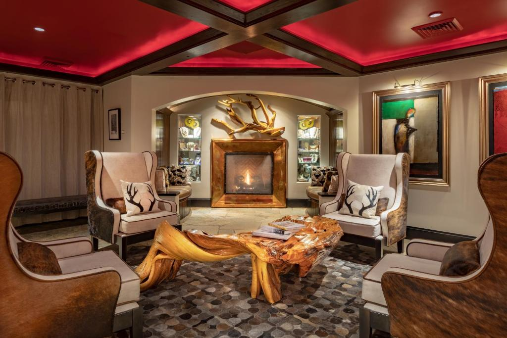 Best Beaver Creek Hotels Lodge lobby