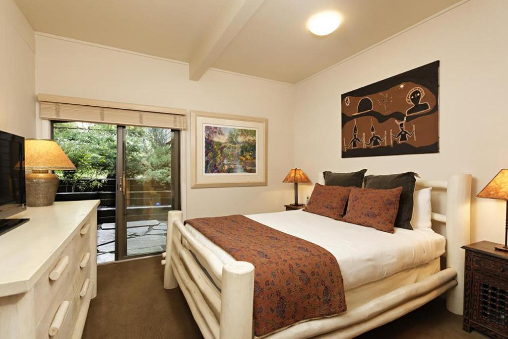best cabins aspen bright and airy bedroom