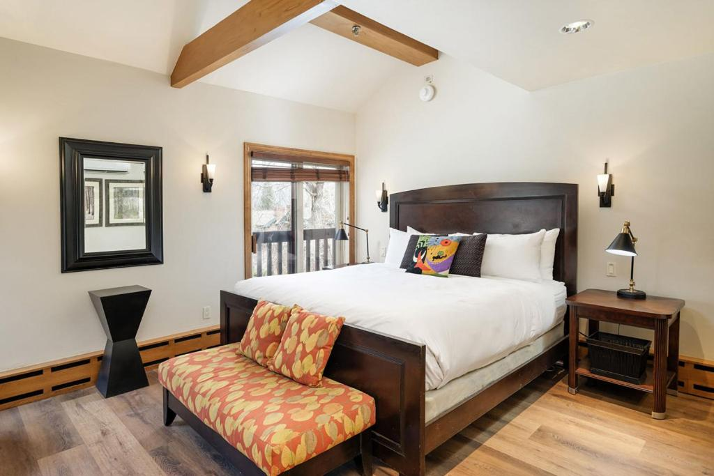 best cabins aspen three level holiday rental bedroom