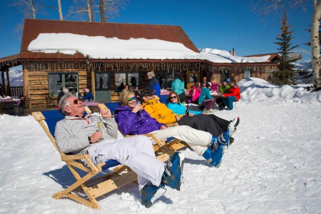 best things to do in aspen Aspen Apres ski-min