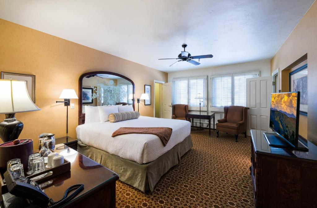Best Beaver Creek Hotels Montane bedroom