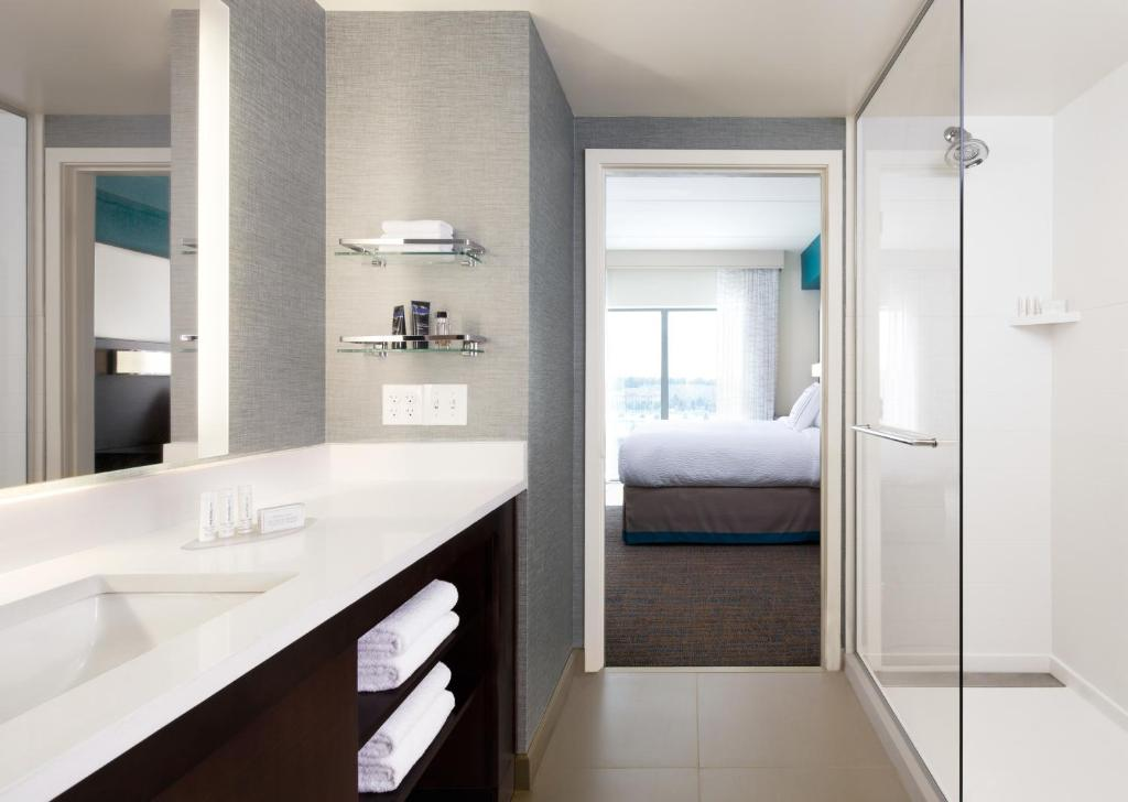 best hotels in Breckenridge Residence Inn by Marriott bathroom