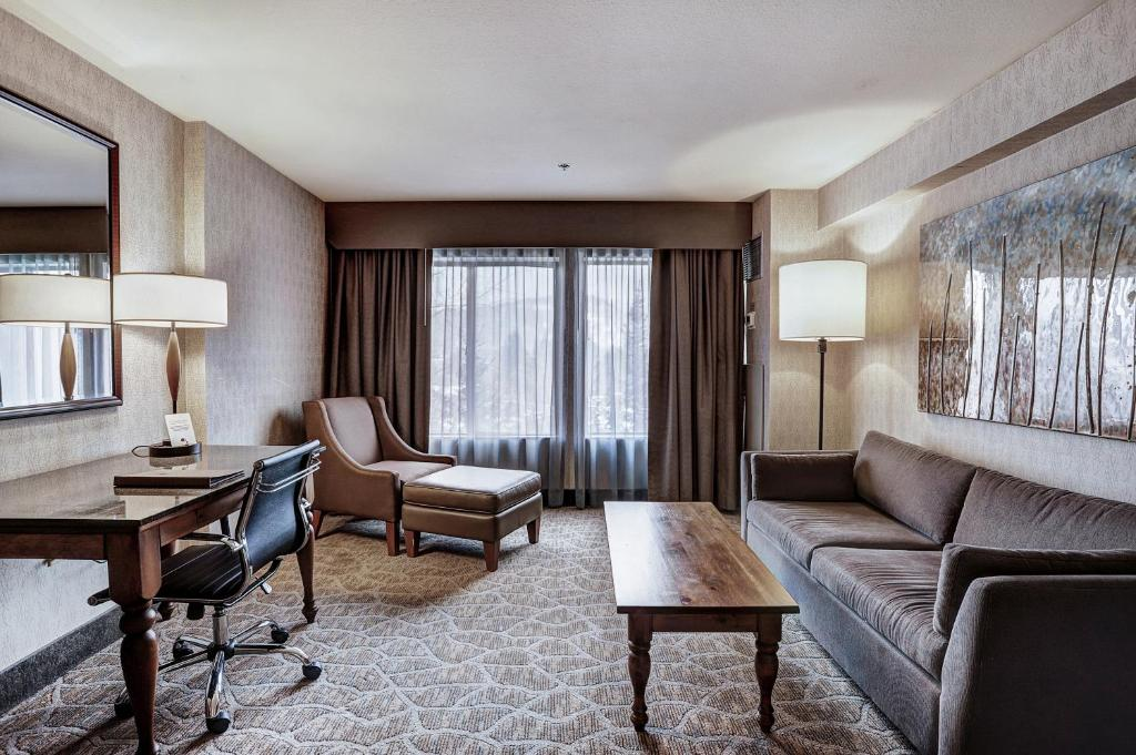 best hotels in Breckenridge doubletree inside